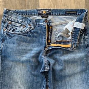 🍀 Lucky Brand 361 Vintage Straight Jeans